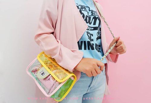 """<div class=""""photoCaption"""">Boost my mood up with wearing my favorite colors💖💛💙.<br /> .<br /> .<br />  <a class=""""pink-url"""" target=""""_blank"""" href=""""http://m.clozette.co.id/search/query?term=clozetteid&siteseach=Submit"""">#clozetteid</a>  <a class=""""pink-url"""" target=""""_blank"""" href=""""http://m.clozette.co.id/search/query?term=kartikaryaniootd&siteseach=Submit"""">#kartikaryaniootd</a>  <a class=""""pink-url"""" target=""""_blank"""" href=""""http://m.clozette.co.id/search/query?term=ootdindo&siteseach=Submit"""">#ootdindo</a>  <a class=""""pink-url"""" target=""""_blank"""" href=""""http://m.clozette.co.id/search/query?term=ootdfashion&siteseach=Submit"""">#ootdfashion</a>  <a class=""""pink-url"""" target=""""_blank"""" href=""""http://m.clozette.co.id/search/query?term=hijabootd&siteseach=Submit"""">#hijabootd</a>  <a class=""""pink-url"""" target=""""_blank"""" href=""""http://m.clozette.co.id/search/query?term=hijabstyle&siteseach=Submit"""">#hijabstyle</a>  <a class=""""pink-url"""" target=""""_blank"""" href=""""http://m.clozette.co.id/search/query?term=dailyootd&siteseach=Submit"""">#dailyootd</a>  <a class=""""pink-url"""" target=""""_blank"""" href=""""http://m.clozette.co.id/search/query?term=ootdasian&siteseach=Submit"""">#ootdasian</a>  <a class=""""pink-url"""" target=""""_blank"""" href=""""http://m.clozette.co.id/search/query?term=casualstyle&siteseach=Submit"""">#casualstyle</a>  <a class=""""pink-url"""" target=""""_blank"""" href=""""http://m.clozette.co.id/search/query?term=photooftheday&siteseach=Submit"""">#photooftheday</a>  <a class=""""pink-url"""" target=""""_blank"""" href=""""http://m.clozette.co.id/search/query?term=fashionblogger&siteseach=Submit"""">#fashionblogger</a>  <a class=""""pink-url"""" target=""""_blank"""" href=""""http://m.clozette.co.id/search/query?term=ootd&siteseach=Submit"""">#ootd</a>  <a class=""""pink-url"""" target=""""_blank"""" href=""""http://m.clozette.co.id/search/query?term=whatiweartoday&siteseach=Submit"""">#whatiweartoday</a>  <a class=""""pink-url"""" target=""""_blank"""" href=""""http://m.clozette.co.id/search/query?term=instastyle&siteseach=Submit"""">#instastyle</a>  #블로거 #얼짱  #패션스타그램 #패션블로거 #스트리트패션 #스트릿패션 #스트릿룩 #패션 #일상 #데일리룩 #셀"""