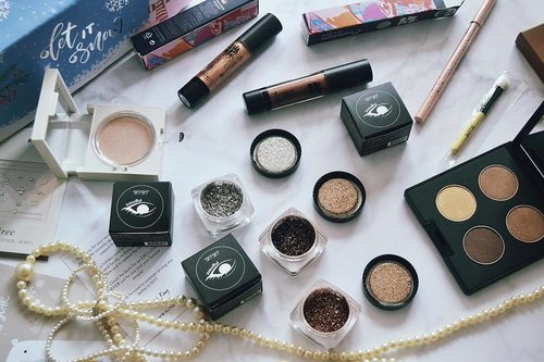 """<div class=""""photoCaption"""">What is inside my althea box? 🙀soon on the blog!  <a class=""""pink-url"""" target=""""_blank"""" href=""""http://m.clozette.co.id/search/query?term=clozetteid&siteseach=Submit"""">#clozetteid</a>  <a class=""""pink-url"""" target=""""_blank"""" href=""""http://m.clozette.co.id/search/query?term=ClozetteIDReview&siteseach=Submit"""">#ClozetteIDReview</a>  <a class=""""pink-url"""" target=""""_blank"""" href=""""http://m.clozette.co.id/search/query?term=AltheaReview&siteseach=Submit"""">#AltheaReview</a>  <a class=""""pink-url"""" target=""""_blank"""" href=""""http://m.clozette.co.id/search/query?term=AltheaxClozetteIDReview&siteseach=Submit"""">#AltheaxClozetteIDReview</a></div>"""