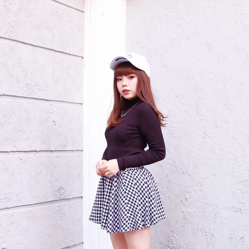 """<div class=""""photoCaption"""">did my cheeks turn your head or wha 🤷<br /> —<br /> monochromatic  <a class=""""pink-url"""" target=""""_blank"""" href=""""http://m.clozette.co.id/search/query?term=OOTD&siteseach=Submit"""">#OOTD</a> has always been my fave & go-to one. tap tap for details - this look only costed like $20 in total can you believe that 🤣 don't count my Jeffrey Campbell tho lol<br /> —<br />  <a class=""""pink-url"""" target=""""_blank"""" href=""""http://m.clozette.co.id/search/query?term=WhatCarolWear&siteseach=Submit"""">#WhatCarolWear</a><br />  #かわいい<br />  #可愛い<br />  #コーデ<br />  #コーディネート<br />  #ファッション<br />  #メイク<br />  <a class=""""pink-url"""" target=""""_blank"""" href=""""http://m.clozette.co.id/search/query?term=clozetteid&siteseach=Submit"""">#clozetteid</a>  <a class=""""pink-url"""" target=""""_blank"""" href=""""http://m.clozette.co.id/search/query?term=wiwt&siteseach=Submit"""">#wiwt</a>  <a class=""""pink-url"""" target=""""_blank"""" href=""""http://m.clozette.co.id/search/query?term=influencer&siteseach=Submit"""">#influencer</a>  <a class=""""pink-url"""" target=""""_blank"""" href=""""http://m.clozette.co.id/search/query?term=bblogger&siteseach=Submit"""">#bblogger</a><br />  <a class=""""pink-url"""" target=""""_blank"""" href=""""http://m.clozette.co.id/search/query?term=bloggers&siteseach=Submit"""">#bloggers</a>  <a class=""""pink-url"""" target=""""_blank"""" href=""""http://m.clozette.co.id/search/query?term=beautyblogger&siteseach=Submit"""">#beautyblogger</a>  <a class=""""pink-url"""" target=""""_blank"""" href=""""http://m.clozette.co.id/search/query?term=beautyinfluencer&siteseach=Submit"""">#beautyinfluencer</a>  <a class=""""pink-url"""" target=""""_blank"""" href=""""http://m.clozette.co.id/search/query?term=influencersurabaya&siteseach=Submit"""">#influencersurabaya</a>   <a class=""""pink-url"""" target=""""_blank"""" href=""""http://m.clozette.co.id/search/query?term=sbybeautyblogger&siteseach=Submit"""">#sbybeautyblogger</a>  <a class=""""pink-url"""" target=""""_blank"""" href=""""http://m.clozette.co.id/search/query?term=beautybloggerindo&siteseach=Submit"""">#beautybloggerindo</a>  <a class=""""pink-url"""" target=""""_blank"""" href=""""ht"""