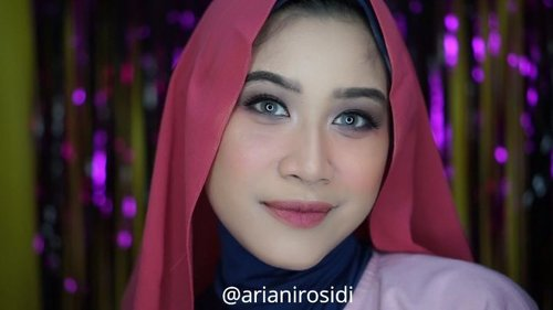 "<div class=""photoCaption"">😆<br /> .<br /> Produk yang aku pake :<br /> .<br /> Face :<br /> 1. @studiotropik original priming water<br /> 2. @mustikaratuind Beauty Queen High Coverage Foundation (dewy Finish) <br /> 3. @thesaemid Cover Perfection Tip Concealer<br /> 4. @jafracosmetics cream blush & @pixycosmetics twin blush<br /> 4. @altheakorea Petal Velvet Powder<br /> 5. @mizzucosmetics alter ego banana<br /> .<br /> Eyes & Eyebrow:<br /> 1. @purbasarimakeupid @purbasari_indonesia Ultrasmooth brow liner<br /> 2. @sleekmakeup eyeshadow oh so special <br /> 3. @madame.gie pencil eyeliner<br /> .<br /> Lip:<br /> @dermayu.official 04 pretty woman + 03 sexy lady<br /> .<br />  <a class=""pink-url"" target=""_blank"" href=""http://m.clozette.co.id/search/query?term=clozetteid&siteseach=Submit"">#clozetteid</a>  <a class=""pink-url"" target=""_blank"" href=""http://m.clozette.co.id/search/query?term=makeup&siteseach=Submit"">#makeup</a>  <a class=""pink-url"" target=""_blank"" href=""http://m.clozette.co.id/search/query?term=naturalmakeup&siteseach=Submit"">#naturalmakeup</a>  <a class=""pink-url"" target=""_blank"" href=""http://m.clozette.co.id/search/query?term=softmakeup&siteseach=Submit"">#softmakeup</a>  <a class=""pink-url"" target=""_blank"" href=""http://m.clozette.co.id/search/query?term=dailymakeup&siteseach=Submit"">#dailymakeup</a>  <a class=""pink-url"" target=""_blank"" href=""http://m.clozette.co.id/search/query?term=ombrelips&siteseach=Submit"">#ombrelips</a>  <a class=""pink-url"" target=""_blank"" href=""http://m.clozette.co.id/search/query?term=tampilcantik&siteseach=Submit"">#tampilcantik</a> @tampilcantik @ragam_kecantikan  <a class=""pink-url"" target=""_blank"" href=""http://m.clozette.co.id/search/query?term=ragamkecantikan&siteseach=Submit"">#ragamkecantikan</a>  <a class=""pink-url"" target=""_blank"" href=""http://m.clozette.co.id/search/query?term=ragam_kecantikan&siteseach=Submit"">#ragam_kecantikan</a> @beautiesquad  <a class=""pink-url"" target=""_blank"" href=""http://m.clozette.co.id/search/query?term=Beautiesquad&siteseach=Submit"">#Beautiesquad</a> @bloggerceriaid  <a class=""pink-url"" target=""_blank"" href=""http://m.clozette.co.id/search/query?term=bloggerceria&siteseach=Submit"">#bloggerceria</a> @setterspace  <a class=""pink-url"" target=""_blank"" href=""http://m.clozette.co.id/search/query?term=setterspace&siteseach=Submit"">#setterspace</a> @indobeautysquad  <a class=""pink-url"" target=""_blank"" href=""http://m.clozette.co.id/search/query?term=indobeautysquad&siteseach=Submit"">#indobeautysquad</a></div>"