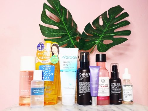 """<div class=""""photoCaption"""">🌙 PM skincare :when I use heavy, thick makeup, I always make sure to clean it properly or else, there would be skin problem and clogged pores afterwards. Duh... So, if in my usual day double cleansing with micellar water and facial wash are enough. In the day where I put heavy makeup, this way doesn't really clean my skin.  Somehow triple cleansing does. How I do triple cleansing :Firstly, I'll use eyes and lip makeup remover, continue with micellar water. To get rid of the left over makeup, I use cleansing oil, rinse it with water, then I use facial wash to make sure everything is clean.... after that, I focus on my skincare which have healing and hydrating purposes.☘ Products:❤  <a class=""""pink-url"""" target=""""_blank"""" href=""""http://m.clozette.co.id/search/query?term=silkygirl&siteseach=Submit"""">#silkygirl</a> gentle eye and lip makeup remover❤  <a class=""""pink-url"""" target=""""_blank"""" href=""""http://m.clozette.co.id/search/query?term=mizzu&siteseach=Submit"""">#mizzu</a> remove it❤  <a class=""""pink-url"""" target=""""_blank"""" href=""""http://m.clozette.co.id/search/query?term=kose&siteseach=Submit"""">#kose</a> softymo deep cleansing oil ❤ <a class=""""pink-url"""" target=""""_blank"""" href=""""http://m.clozette.co.id/search/query?term=wardah&siteseach=Submit"""">#wardah</a> perfect bright creamy foam ❤ <a class=""""pink-url"""" target=""""_blank"""" href=""""http://m.clozette.co.id/search/query?term=benton&siteseach=Submit"""">#benton</a> snail bee high content skin❤  <a class=""""pink-url"""" target=""""_blank"""" href=""""http://m.clozette.co.id/search/query?term=wardah&siteseach=Submit"""">#wardah</a> renew you anti aging cream❤  <a class=""""pink-url"""" target=""""_blank"""" href=""""http://m.clozette.co.id/search/query?term=benton&siteseach=Submit"""">#benton</a> snail bee high content essence❤  <a class=""""pink-url"""" target=""""_blank"""" href=""""http://m.clozette.co.id/search/query?term=thebodyshop&siteseach=Submit"""">#thebodyshop</a> vitamin E booster lotion ❤ <a class=""""pink-url"""" target=""""_blank"""" href=""""http://m.clozette.co.id/search/query?te"""