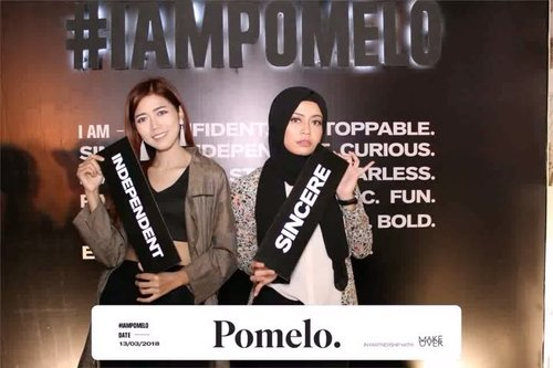 """<div class=""""photoCaption"""">Attending @pomelofashion 2018 Summer Collection with @kaniasafitrii & @clozetteid.<br /> -<br />  <a class=""""pink-url"""" target=""""_blank"""" href=""""http://m.id.clozette.co/search/query?term=IAmPomelo&siteseach=Submit"""">#IAmPomelo</a> <br />  <a class=""""pink-url"""" target=""""_blank"""" href=""""http://m.id.clozette.co/search/query?term=Clozetteid&siteseach=Submit"""">#Clozetteid</a>  <a class=""""pink-url"""" target=""""_blank"""" href=""""http://m.id.clozette.co/search/query?term=FindYourStyle&siteseach=Submit"""">#FindYourStyle</a>  <a class=""""pink-url"""" target=""""_blank"""" href=""""http://m.id.clozette.co/search/query?term=fashionshow&siteseach=Submit"""">#fashionshow</a></div>"""