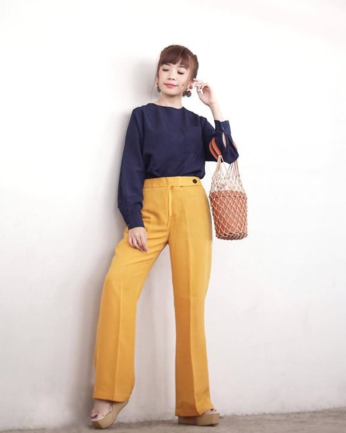 """<div class=""""photoCaption"""">Have a blessed Sunday 🤗Wearing this new collection from @atsthelabel X @sandradewi88  <a class=""""pink-url"""" target=""""_blank"""" href=""""http://m.clozette.co.id/search/query?term=ATSxSandraDewi&siteseach=Submit"""">#ATSxSandraDewi</a> 💛💛💛 from head to toe !  I'm fond of combining colours and found navy and yellow matches so well too. .<br /> .<br /> .<br /> .<br /> .<br /> .<br />  <a class=""""pink-url"""" target=""""_blank"""" href=""""http://m.clozette.co.id/search/query?term=ootd&siteseach=Submit"""">#ootd</a>  <a class=""""pink-url"""" target=""""_blank"""" href=""""http://m.clozette.co.id/search/query?term=style&siteseach=Submit"""">#style</a>  <a class=""""pink-url"""" target=""""_blank"""" href=""""http://m.clozette.co.id/search/query?term=steviewears&siteseach=Submit"""">#steviewears</a>  <a class=""""pink-url"""" target=""""_blank"""" href=""""http://m.clozette.co.id/search/query?term=clozetteid&siteseach=Submit"""">#clozetteid</a>  <a class=""""pink-url"""" target=""""_blank"""" href=""""http://m.clozette.co.id/search/query?term=exploretocreate&siteseach=Submit"""">#exploretocreate</a>  <a class=""""pink-url"""" target=""""_blank"""" href=""""http://m.clozette.co.id/search/query?term=collabwithstevie&siteseach=Submit"""">#collabwithstevie</a>  <a class=""""pink-url"""" target=""""_blank"""" href=""""http://m.clozette.co.id/search/query?term=ootdindo&siteseach=Submit"""">#ootdindo</a>  <a class=""""pink-url"""" target=""""_blank"""" href=""""http://m.clozette.co.id/search/query?term=whatiwore&siteseach=Submit"""">#whatiwore</a>  <a class=""""pink-url"""" target=""""_blank"""" href=""""http://m.clozette.co.id/search/query?term=tampilcantik&siteseach=Submit"""">#tampilcantik</a>  <a class=""""pink-url"""" target=""""_blank"""" href=""""http://m.clozette.co.id/search/query?term=ggrep&siteseach=Submit"""">#ggrep</a></div>"""