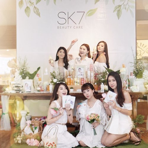 "<div class=""photoCaption"">Attended @sk7_beautycare beauty gathering event with my girls // Swipe for their beautiful lipsticks swatches, each of us is wearing a different shade ❤️ and now we have a  <a class=""pink-url"" target=""_blank"" href=""http://m.clozette.co.id/search/query?term=GIVEAWAY&siteseach=Submit"">#GIVEAWAY</a> for you too my online fams!.HOW TO JOIN?1. Must follow @sk7_beautycare and me @steviiewong 2. Spam comments (in the comment section of this post)Be active on my page😊3. Mention 3 of your friends to join (must be an active accounts) and @sk7_beautycare4. Giveaway close on 24 February and I will announce the winner on 28 February 2019 in my IG story ! 5. I will choose 2 winners to get a special gifts consisting of their masks and lipstick from @sk7_beautycare.GOOD LUCK!. <a class=""pink-url"" target=""_blank"" href=""http://m.clozette.co.id/search/query?term=SK7BeautyCare&siteseach=Submit"">#SK7BeautyCare</a>  <a class=""pink-url"" target=""_blank"" href=""http://m.clozette.co.id/search/query?term=SK7TemaniHarimu&siteseach=Submit"">#SK7TemaniHarimu</a>  <a class=""pink-url"" target=""_blank"" href=""http://m.clozette.co.id/search/query?term=SK7ManjakanKulitmu&siteseach=Submit"">#SK7ManjakanKulitmu</a></div>"