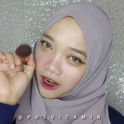 "<div class=""photoCaption"">RUSSIAN ROULETTE 💘 Makeup Tutorial<br /> .<br /> Kali ini aku nyoba ngikutin gaya makeup Red Velvet di MV Russian Roulette karena simple banget. (sebenernya semua makeup mereka pada simple sih). Rada-rada serem gitu finishnya karena emang cerita nya di MV - mereka jadi cewek rada psycho yang rebutan 1 cowok dan ngebunuh temannya sendiri. Lagunya tempo ceria tapi cerita di dalemnya rada creepy juga haha 🙈<br /> .<br /> Products :<br /> @maybelline Fit Me Concealer - Shade 25<br /> @etudehouseofficial Drawing Eyebrow - Light Brown<br /> @3ce_official Velvet Lip Tint - shade Pink Break<br /> @etudehouseofficial Oh My Eye Line - Brown<br /> @vtcosmetics_official VT x BTS Black Collagen Pact Cushion<br /> @beautycreations.cosmetics Eyeshadow Palette (Tease Me)<br /> @mukka_kosmetik Pro Palette<br /> @makeoverid Camouflage Concealer<br /> .<br /> .<br />  <a class=""pink-url"" target=""_blank"" href=""http://m.clozette.co.id/search/query?term=ragam_kecantikan&siteseach=Submit"">#ragam_kecantikan</a>  <a class=""pink-url"" target=""_blank"" href=""http://m.clozette.co.id/search/query?term=makeuptutorial&siteseach=Submit"">#makeuptutorial</a>  <a class=""pink-url"" target=""_blank"" href=""http://m.clozette.co.id/search/query?term=koreanmakeup&siteseach=Submit"">#koreanmakeup</a>  <a class=""pink-url"" target=""_blank"" href=""http://m.clozette.co.id/search/query?term=indobeautygram&siteseach=Submit"">#indobeautygram</a>  <a class=""pink-url"" target=""_blank"" href=""http://m.clozette.co.id/search/query?term=indobeautyvlogger&siteseach=Submit"">#indobeautyvlogger</a>  <a class=""pink-url"" target=""_blank"" href=""http://m.clozette.co.id/search/query?term=wakeupandmakeup&siteseach=Submit"">#wakeupandmakeup</a>  <a class=""pink-url"" target=""_blank"" href=""http://m.clozette.co.id/search/query?term=makeupoftheday&siteseach=Submit"">#makeupoftheday</a>  <a class=""pink-url"" target=""_blank"" href=""http://m.clozette.co.id/search/query?term=beautybloggerindonesia&siteseach=Submit"">#beautybloggerindonesia</a>  <a class=""pink-url"" target=""_blank"" href=""http://m.clozette.co.id/search/query?term=ivgbeauty&siteseach=Submit"">#ivgbeauty</a>  <a class=""pink-url"" target=""_blank"" href=""http://m.clozette.co.id/search/query?term=glowingskin&siteseach=Submit"">#glowingskin</a>  <a class=""pink-url"" target=""_blank"" href=""http://m.clozette.co.id/search/query?term=makeuplife&siteseach=Submit"">#makeuplife</a>  <a class=""pink-url"" target=""_blank"" href=""http://m.clozette.co.id/search/query?term=tutorialmakeup&siteseach=Submit"">#tutorialmakeup</a>  <a class=""pink-url"" target=""_blank"" href=""http://m.clozette.co.id/search/query?term=indovidgram&siteseach=Submit"">#indovidgram</a>  <a class=""pink-url"" target=""_blank"" href=""http://m.clozette.co.id/search/query?term=indonesianbeautyblogger&siteseach=Submit"">#indonesianbeautyblogger</a>  <a class=""pink-url"" target=""_blank"" href=""http://m.clozette.co.id/search/query?term=makeupvideoss&siteseach=Submit"">#makeupvideoss</a>  <a class=""pink-url"" target=""_blank"" href=""http://m.clozette.co.id/search/query?term=makeupcoach&siteseach=Submit"">#makeupcoach</a>  <a class=""pink-url"" target=""_blank"" href=""http://m.clozette.co.id/search/query?term=1minutemakeup&siteseach=Submit"">#1minutemakeup</a>  <a class=""pink-url"" target=""_blank"" href=""http://m.clozette.co.id/search/query?term=tampilcantik&siteseach=Submit"">#tampilcantik</a>  <a class=""pink-url"" target=""_blank"" href=""http://m.clozette.co.id/search/query?term=bunnyneedsmakeup&siteseach=Submit"">#bunnyneedsmakeup</a>  <a class=""pink-url"" target=""_blank"" href=""http://m.clozette.co.id/search/query?term=beautyvloggerid&siteseach=Submit"">#beautyvloggerid</a>  <a class=""pink-url"" target=""_blank"" href=""http://m.clozette.co.id/search/query?term=koreanmakeup&siteseach=Submit"">#koreanmakeup</a>  <a class=""pink-url"" target=""_blank"" href=""http://m.clozette.co.id/search/query?term=minivideomakeup&siteseach=Submit"">#minivideomakeup</a> <a class=""pink-url"" target=""_blank"" href=""http://m.clozette.co.id/search/query?term=beautyvloggerindonesia&siteseach=Submit"">#beautyvloggerindonesia</a>  <a class=""pink-url"" target=""_blank"" href=""http://m.clozette.co.id/search/query?term=indobeautymakeup&siteseach=Submit"">#indobeautymakeup</a>  <a class=""pink-url"" target=""_blank"" href=""http://m.clozette.co.id/search/query?term=clozetteid&siteseach=Submit"">#clozetteid</a> @beautybloggerindonesia  <a class=""pink-url"" target=""_blank"" href=""http://m.clozette.co.id/search/query?term=CChannelBeautyID&siteseach=Submit"">#CChannelBeautyID</a> @indobeautygram @indovidgram @bunnyneedsmakeup @bvlogger.id @ragam_kecantikan @tampilcantik @makeupgalss @beautychannel.id @indobeautymakeup @cchannel_beauty_id @clozetteid</div>"