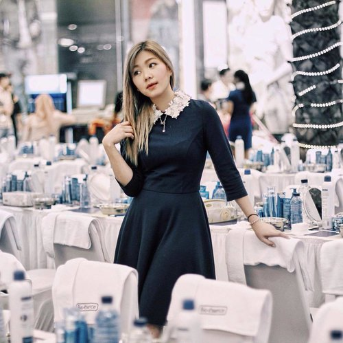 "<div class=""photoCaption"">Having constantly dragged down by gravity, out face is definitely affected and slowly droppin down and becoming saggy. That's why having the right skincare and treatment is important. So happy that I Jumped off to Central Park for @bioessenceid event and shared some tips about creating content on your instagram and finally tried the no.1 best selling lifting cream in Singapore!  <a class=""pink-url"" target=""_blank"" href=""http://m.clozette.co.id/search/query?term=bioessenceid&siteseach=Submit"">#bioessenceid</a>  <a class=""pink-url"" target=""_blank"" href=""http://m.clozette.co.id/search/query?term=clozetteid&siteseach=Submit"">#clozetteid</a>  <a class=""pink-url"" target=""_blank"" href=""http://m.clozette.co.id/search/query?term=clozetteIDxbioessence&siteseach=Submit"">#clozetteIDxbioessence</a>  <a class=""pink-url"" target=""_blank"" href=""http://m.clozette.co.id/search/query?term=shapeVface&siteseach=Submit"">#shapeVface</a>  <a class=""pink-url"" target=""_blank"" href=""http://m.clozette.co.id/search/query?term=proveityourself&siteseach=Submit"">#proveityourself</a></div>"