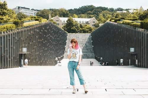 """<div class=""""photoCaption"""">Ewha Womans University is an interesting area, not only a women's university but its area also a popular shopping district in Seoul. If you're looking for cheap clothes/ accessories, here is the place 😉 More on my blog  <a class=""""pink-url"""" target=""""_blank"""" href=""""http://m.clozette.co.id/search/query?term=bigdreamerblog&siteseach=Submit"""">#bigdreamerblog</a><br /> .<br /> .<br /> .<br />  <a class=""""pink-url"""" target=""""_blank"""" href=""""http://m.clozette.co.id/search/query?term=clozetteid&siteseach=Submit"""">#clozetteid</a>  <a class=""""pink-url"""" target=""""_blank"""" href=""""http://m.clozette.co.id/search/query?term=BigDreamerInKorea&siteseach=Submit"""">#BigDreamerInKorea</a>  <a class=""""pink-url"""" target=""""_blank"""" href=""""http://m.clozette.co.id/search/query?term=exploreseoul&siteseach=Submit"""">#exploreseoul</a>  <a class=""""pink-url"""" target=""""_blank"""" href=""""http://m.clozette.co.id/search/query?term=ggrep&siteseach=Submit"""">#ggrep</a>  <a class=""""pink-url"""" target=""""_blank"""" href=""""http://m.clozette.co.id/search/query?term=ewhawomansuniversity&siteseach=Submit"""">#ewhawomansuniversity</a>  <a class=""""pink-url"""" target=""""_blank"""" href=""""http://m.clozette.co.id/search/query?term=koreatrip&siteseach=Submit"""">#koreatrip</a>  <a class=""""pink-url"""" target=""""_blank"""" href=""""http://m.clozette.co.id/search/query?term=koreatravel&siteseach=Submit"""">#koreatravel</a>  <a class=""""pink-url"""" target=""""_blank"""" href=""""http://m.clozette.co.id/search/query?term=ktoid&siteseach=Submit"""">#ktoid</a>  <a class=""""pink-url"""" target=""""_blank"""" href=""""http://m.clozette.co.id/search/query?term=explorekorea&siteseach=Submit"""">#explorekorea</a>  <a class=""""pink-url"""" target=""""_blank"""" href=""""http://m.clozette.co.id/search/query?term=visitkorea&siteseach=Submit"""">#visitkorea</a>  <a class=""""pink-url"""" target=""""_blank"""" href=""""http://m.clozette.co.id/search/query?term=travelerindonesia&siteseach=Submit"""">#travelerindonesia</a>  <a class=""""pink-url"""" target=""""_blank"""" href=""""http://m.clozette.co.id/search/query?term=girlsaroundtheworld&siteseach=Submit"""
