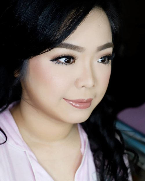 """<div class=""""photoCaption"""">Soft Makeup for @monicasera  photoshoot<br /> <br /> Makeup by @shelleymuc @shelleyssebastian<br /> HairDo by @co2m_beautystylish<br /> Ringlight @cathiestuff.id<br /> Upper lashes @flaire.official<br /> Lower lashes @madame_lashes<br /> <br />  <a class=""""pink-url"""" target=""""_blank"""" href=""""http://m.clozette.co.id/search/query?term=makeup&siteseach=Submit"""">#makeup</a>  <a class=""""pink-url"""" target=""""_blank"""" href=""""http://m.clozette.co.id/search/query?term=beauty&siteseach=Submit"""">#beauty</a>  <a class=""""pink-url"""" target=""""_blank"""" href=""""http://m.clozette.co.id/search/query?term=shelleymuc&siteseach=Submit"""">#shelleymuc</a>  <a class=""""pink-url"""" target=""""_blank"""" href=""""http://m.clozette.co.id/search/query?term=surabaya&siteseach=Submit"""">#surabaya</a>  <a class=""""pink-url"""" target=""""_blank"""" href=""""http://m.clozette.co.id/search/query?term=makeupartist&siteseach=Submit"""">#makeupartist</a>  <a class=""""pink-url"""" target=""""_blank"""" href=""""http://m.clozette.co.id/search/query?term=mua&siteseach=Submit"""">#mua</a>  <a class=""""pink-url"""" target=""""_blank"""" href=""""http://m.clozette.co.id/search/query?term=shelleymakeupcreation&siteseach=Submit"""">#shelleymakeupcreation</a>  <a class=""""pink-url"""" target=""""_blank"""" href=""""http://m.clozette.co.id/search/query?term=beforeafter&siteseach=Submit"""">#beforeafter</a>  <a class=""""pink-url"""" target=""""_blank"""" href=""""http://m.clozette.co.id/search/query?term=clozetteID&siteseach=Submit"""">#clozetteID</a>  <a class=""""pink-url"""" target=""""_blank"""" href=""""http://m.clozette.co.id/search/query?term=makeover&siteseach=Submit"""">#makeover</a>  <a class=""""pink-url"""" target=""""_blank"""" href=""""http://m.clozette.co.id/search/query?term=muasurabaya&siteseach=Submit"""">#muasurabaya</a>  <a class=""""pink-url"""" target=""""_blank"""" href=""""http://m.clozette.co.id/search/query?term=muaindonesia&siteseach=Submit"""">#muaindonesia</a>  <a class=""""pink-url"""" target=""""_blank"""" href=""""http://m.clozette.co.id/search/query?term=hairdo&siteseach=Submit"""">#hairdo</a>  <a class=""""pink-url"""" target=""""_blank"""" href=""""http://m"""