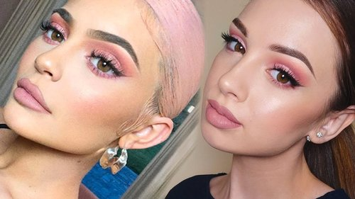 "<div class=""photoCaption"">KYLIE JENNER Inspired Makeup Tutorial   Pink Smokey Eye - YouTube</div>"
