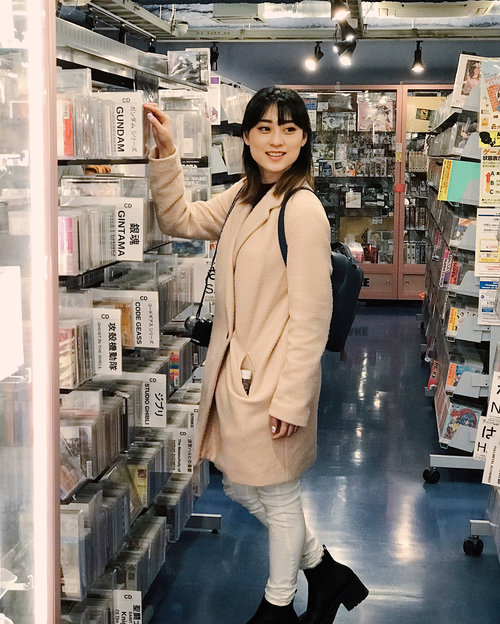 """<div class=""""photoCaption"""">Who said Akihabara just for boys?? i like strolling around Akihabara, they have amazing items for those who loves Anime, Games and Manga.. I like them all.. So visit Akihabara for sure if you visit Japan.. ........... <a class=""""pink-url"""" target=""""_blank"""" href=""""http://m.clozette.co.id/search/query?term=akihabara&siteseach=Submit"""">#akihabara</a>  <a class=""""pink-url"""" target=""""_blank"""" href=""""http://m.clozette.co.id/search/query?term=hisainjapan&siteseach=Submit"""">#hisainjapan</a>  <a class=""""pink-url"""" target=""""_blank"""" href=""""http://m.clozette.co.id/search/query?term=hisabeetheexplorer&siteseach=Submit"""">#hisabeetheexplorer</a>  <a class=""""pink-url"""" target=""""_blank"""" href=""""http://m.clozette.co.id/search/query?term=japan&siteseach=Submit"""">#japan</a>  <a class=""""pink-url"""" target=""""_blank"""" href=""""http://m.clozette.co.id/search/query?term=ilovejapan&siteseach=Submit"""">#ilovejapan</a>  <a class=""""pink-url"""" target=""""_blank"""" href=""""http://m.clozette.co.id/search/query?term=travelling&siteseach=Submit"""">#travelling</a>  <a class=""""pink-url"""" target=""""_blank"""" href=""""http://m.clozette.co.id/search/query?term=travel&siteseach=Submit"""">#travel</a>  <a class=""""pink-url"""" target=""""_blank"""" href=""""http://m.clozette.co.id/search/query?term=japantrip&siteseach=Submit"""">#japantrip</a>  <a class=""""pink-url"""" target=""""_blank"""" href=""""http://m.clozette.co.id/search/query?term=trip&siteseach=Submit"""">#trip</a>  #여행스타그램  #일본  #일본여행  #여행  #일본좋아  <a class=""""pink-url"""" target=""""_blank"""" href=""""http://m.clozette.co.id/search/query?term=nihon&siteseach=Submit"""">#nihon</a>  <a class=""""pink-url"""" target=""""_blank"""" href=""""http://m.clozette.co.id/search/query?term=nippon&siteseach=Submit"""">#nippon</a>  #日本</div>"""