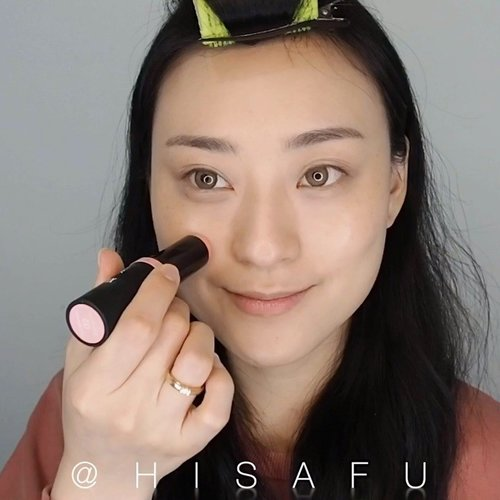 "<div class=""photoCaption"">Makeup tutorial is UP.. nama makeupnya apa ya?? bingung haha 🤣🤣<br /> .<br /> .<br /> Products: 🌸 @beautytreatscosmetic Hayata Cream Magic<br /> 🌸 @thesaemid eco soul gel bb<br /> 🌸 @makeoverid multifix matte blusher 02<br /> 🌸 @essau.beaute jigsaw eyebrow pencil<br /> 🌸 @nyxcosmetics_indonesia love you so mochi 🌸 @3ce_official duo blusher<br /> 🌸 @thebalmid bonnie lou manizer<br /> 🌸 @mamondekorea gel liner 🌸 @iamaddicted lash curler 🌸 @heimish_korea eyeshadow palette<br /> 🌸 @arra_beauty lip<br /> 🌸 @clioindonesia mad matte lip .<br /> .<br /> .<br /> .<br /> .<br />  <a class=""pink-url"" target=""_blank"" href=""http://m.clozette.co.id/search/query?term=makeup&siteseach=Submit"">#makeup</a>  <a class=""pink-url"" target=""_blank"" href=""http://m.clozette.co.id/search/query?term=beauty&siteseach=Submit"">#beauty</a>  <a class=""pink-url"" target=""_blank"" href=""http://m.clozette.co.id/search/query?term=clozetteid&siteseach=Submit"">#clozetteid</a>  <a class=""pink-url"" target=""_blank"" href=""http://m.clozette.co.id/search/query?term=makeuptutorial&siteseach=Submit"">#makeuptutorial</a>  <a class=""pink-url"" target=""_blank"" href=""http://m.clozette.co.id/search/query?term=tutorialmakeup&siteseach=Submit"">#tutorialmakeup</a>  <a class=""pink-url"" target=""_blank"" href=""http://m.clozette.co.id/search/query?term=tampilcantik&siteseach=Submit"">#tampilcantik</a> @tampilcantik @ragam_kecantikan  #뷰티인사이드  #부티</div>"