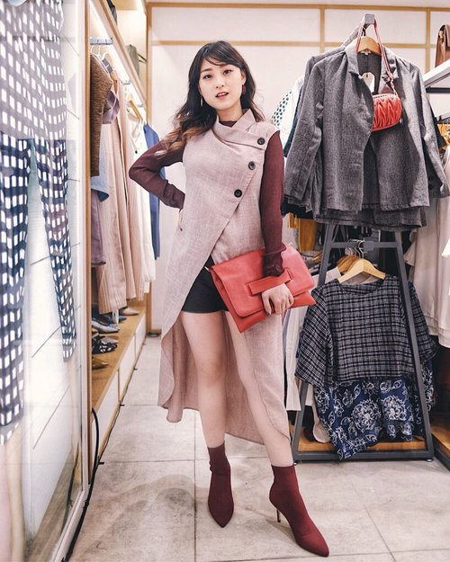 """<div class=""""photoCaption"""">Congratulations @berrybenka for ReOpening Store at @malciputrajkt .. .<br /> Outer from Berrybenka..<br /> .<br /> .<br /> .<br />  <a class=""""pink-url"""" target=""""_blank"""" href=""""http://m.clozette.co.id/search/query?term=meandberrybenka&siteseach=Submit"""">#meandberrybenka</a>  <a class=""""pink-url"""" target=""""_blank"""" href=""""http://m.clozette.co.id/search/query?term=bproject&siteseach=Submit"""">#bproject</a>  <a class=""""pink-url"""" target=""""_blank"""" href=""""http://m.clozette.co.id/search/query?term=berrybenka&siteseach=Submit"""">#berrybenka</a>  <a class=""""pink-url"""" target=""""_blank"""" href=""""http://m.clozette.co.id/search/query?term=berrybenkalook&siteseach=Submit"""">#berrybenkalook</a>  <a class=""""pink-url"""" target=""""_blank"""" href=""""http://m.clozette.co.id/search/query?term=berrybenkastore&siteseach=Submit"""">#berrybenkastore</a>  <a class=""""pink-url"""" target=""""_blank"""" href=""""http://m.clozette.co.id/search/query?term=Clozetteid&siteseach=Submit"""">#Clozetteid</a>  <a class=""""pink-url"""" target=""""_blank"""" href=""""http://m.clozette.co.id/search/query?term=StyleBlogger&siteseach=Submit"""">#StyleBlogger</a>  <a class=""""pink-url"""" target=""""_blank"""" href=""""http://m.clozette.co.id/search/query?term=OOTD&siteseach=Submit"""">#OOTD</a>  <a class=""""pink-url"""" target=""""_blank"""" href=""""http://m.clozette.co.id/search/query?term=POTD&siteseach=Submit"""">#POTD</a>  <a class=""""pink-url"""" target=""""_blank"""" href=""""http://m.clozette.co.id/search/query?term=FashionBlogger&siteseach=Submit"""">#FashionBlogger</a>  <a class=""""pink-url"""" target=""""_blank"""" href=""""http://m.clozette.co.id/search/query?term=StreetStyle&siteseach=Submit"""">#StreetStyle</a>  #스트릿스타일  #스트릿록  <a class=""""pink-url"""" target=""""_blank"""" href=""""http://m.clozette.co.id/search/query?term=UrbanFashion&siteseach=Submit"""">#UrbanFashion</a>  <a class=""""pink-url"""" target=""""_blank"""" href=""""http://m.clozette.co.id/search/query?term=FashionVibes&siteseach=Submit"""">#FashionVibes</a>  <a class=""""pink-url"""" target=""""_blank"""" href=""""http://m.clozette.co.id/search/query?term=GGRep&siteseach=Submit"""">#GGRep"""