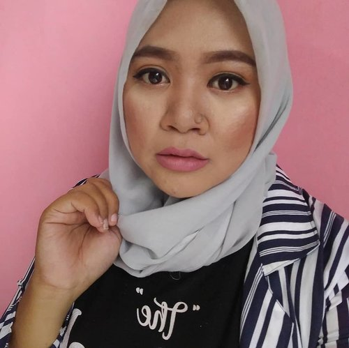 "<div class=""photoCaption"">Pisau cukur alis ilang gaes.. jadi ya gitu deh..🤣🤣🤣🤣  <a class=""pink-url"" target=""_blank"" href=""http://m.clozette.co.id/search/query?term=makeup&siteseach=Submit"">#makeup</a>  <a class=""pink-url"" target=""_blank"" href=""http://m.clozette.co.id/search/query?term=makeupaddict&siteseach=Submit"">#makeupaddict</a>  <a class=""pink-url"" target=""_blank"" href=""http://m.clozette.co.id/search/query?term=makeupjunkie&siteseach=Submit"">#makeupjunkie</a>  <a class=""pink-url"" target=""_blank"" href=""http://m.clozette.co.id/search/query?term=makeupobsessed&siteseach=Submit"">#makeupobsessed</a>  <a class=""pink-url"" target=""_blank"" href=""http://m.clozette.co.id/search/query?term=makeupporn&siteseach=Submit"">#makeupporn</a>  <a class=""pink-url"" target=""_blank"" href=""http://m.clozette.co.id/search/query?term=makeupcollection&siteseach=Submit"">#makeupcollection</a>  <a class=""pink-url"" target=""_blank"" href=""http://m.clozette.co.id/search/query?term=instamakep&siteseach=Submit"">#instamakep</a>  <a class=""pink-url"" target=""_blank"" href=""http://m.clozette.co.id/search/query?term=dailymakeup&siteseach=Submit"">#dailymakeup</a>  <a class=""pink-url"" target=""_blank"" href=""http://m.clozette.co.id/search/query?term=makeuporganization&siteseach=Submit"">#makeuporganization</a>  <a class=""pink-url"" target=""_blank"" href=""http://m.clozette.co.id/search/query?term=blogger&siteseach=Submit"">#blogger</a>  <a class=""pink-url"" target=""_blank"" href=""http://m.clozette.co.id/search/query?term=beautyblogger&siteseach=Submit"">#beautyblogger</a>  <a class=""pink-url"" target=""_blank"" href=""http://m.clozette.co.id/search/query?term=indonesianbeautyblogger&siteseach=Submit"">#indonesianbeautyblogger</a>  <a class=""pink-url"" target=""_blank"" href=""http://m.clozette.co.id/search/query?term=beauty&siteseach=Submit"">#beauty</a>  <a class=""pink-url"" target=""_blank"" href=""http://m.clozette.co.id/search/query?term=instabeauty&siteseach=Submit"">#instabeauty</a>  <a class=""pink-url"" target=""_blank"" href=""http://m.clozette.co.id/search/query?term=blush&siteseach=Submit"">#blush</a>  <a class=""pink-url"" target=""_blank"" href=""http://m.clozette.co.id/search/query?term=fdbeauty&siteseach=Submit"">#fdbeauty</a>  <a class=""pink-url"" target=""_blank"" href=""http://m.clozette.co.id/search/query?term=highlighter&siteseach=Submit"">#highlighter</a>  <a class=""pink-url"" target=""_blank"" href=""http://m.clozette.co.id/search/query?term=bronzer&siteseach=Submit"">#bronzer</a>  <a class=""pink-url"" target=""_blank"" href=""http://m.clozette.co.id/search/query?term=lipstick&siteseach=Submit"">#lipstick</a>  <a class=""pink-url"" target=""_blank"" href=""http://m.clozette.co.id/search/query?term=lipstickaddict&siteseach=Submit"">#lipstickaddict</a>  <a class=""pink-url"" target=""_blank"" href=""http://m.clozette.co.id/search/query?term=lotd&siteseach=Submit"">#lotd</a>  <a class=""pink-url"" target=""_blank"" href=""http://m.clozette.co.id/search/query?term=lipstickcollection&siteseach=Submit"">#lipstickcollection</a>  <a class=""pink-url"" target=""_blank"" href=""http://m.clozette.co.id/search/query?term=motd&siteseach=Submit"">#motd</a>  <a class=""pink-url"" target=""_blank"" href=""http://m.clozette.co.id/search/query?term=makeupoftheday&siteseach=Submit"">#makeupoftheday</a>  <a class=""pink-url"" target=""_blank"" href=""http://m.clozette.co.id/search/query?term=fotd&siteseach=Submit"">#fotd</a>  <a class=""pink-url"" target=""_blank"" href=""http://m.clozette.co.id/search/query?term=makeuplook&siteseach=Submit"">#makeuplook</a>  <a class=""pink-url"" target=""_blank"" href=""http://m.clozette.co.id/search/query?term=makeuplover&siteseach=Submit"">#makeuplover</a>  <a class=""pink-url"" target=""_blank"" href=""http://m.clozette.co.id/search/query?term=makeupmafia&siteseach=Submit"">#makeupmafia</a>  <a class=""pink-url"" target=""_blank"" href=""http://m.clozette.co.id/search/query?term=ilovemakeup&siteseach=Submit"">#ilovemakeup</a>  <a class=""pink-url"" target=""_blank"" href=""http://m.clozette.co.id/search/query?term=clozetteid&siteseach=Submit"">#clozetteid</a></div>"