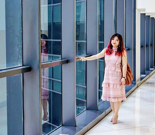 """<div class=""""photoCaption"""">A super feminine dress by @endlessrose in A-Shape Sleeveless Dress with Ruffle Detail.It's a peaceful color to start my Monday. Buat yang kerja, cemunguddhhh 😤 (⬅️ ala Chicago Bulls).  <a class=""""pink-url"""" target=""""_blank"""" href=""""http://m.clozette.co.id/search/query?term=endlessrose&siteseach=Submit"""">#endlessrose</a> <a class=""""pink-url"""" target=""""_blank"""" href=""""http://m.clozette.co.id/search/query?term=ootd&siteseach=Submit"""">#ootd</a>  <a class=""""pink-url"""" target=""""_blank"""" href=""""http://m.clozette.co.id/search/query?term=love&siteseach=Submit"""">#love</a>   <a class=""""pink-url"""" target=""""_blank"""" href=""""http://m.clozette.co.id/search/query?term=dresedup&siteseach=Submit"""">#dresedup</a>  <a class=""""pink-url"""" target=""""_blank"""" href=""""http://m.clozette.co.id/search/query?term=motd&siteseach=Submit"""">#motd</a>  <a class=""""pink-url"""" target=""""_blank"""" href=""""http://m.clozette.co.id/search/query?term=ootd&siteseach=Submit"""">#ootd</a>  <a class=""""pink-url"""" target=""""_blank"""" href=""""http://m.clozette.co.id/search/query?term=lotd&siteseach=Submit"""">#lotd</a>  <a class=""""pink-url"""" target=""""_blank"""" href=""""http://m.clozette.co.id/search/query?term=carnellinstyle&siteseach=Submit"""">#carnellinstyle</a>  <a class=""""pink-url"""" target=""""_blank"""" href=""""http://m.clozette.co.id/search/query?term=love&siteseach=Submit"""">#love</a>   <a class=""""pink-url"""" target=""""_blank"""" href=""""http://m.clozette.co.id/search/query?term=dressoftheday&siteseach=Submit"""">#dressoftheday</a>  <a class=""""pink-url"""" target=""""_blank"""" href=""""http://m.clozette.co.id/search/query?term=dress&siteseach=Submit"""">#dress</a>  <a class=""""pink-url"""" target=""""_blank"""" href=""""http://m.clozette.co.id/search/query?term=outfit&siteseach=Submit"""">#outfit</a>  <a class=""""pink-url"""" target=""""_blank"""" href=""""http://m.clozette.co.id/search/query?term=outfitinspo&siteseach=Submit"""">#outfitinspo</a>  <a class=""""pink-url"""" target=""""_blank"""" href=""""http://m.clozette.co.id/search/query?term=outfitoftheday&siteseach=Submit"""">#outfitoftheday</a>  <a class=""""pink-url"""" target=""""_blank"""" """