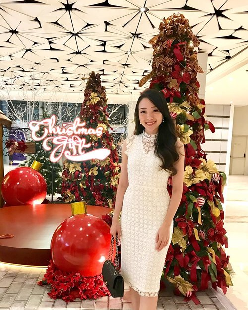 """<div class=""""photoCaption"""">Because today is still christmas and i don't want it to leave so soon.. wishing you peace all year round, all because Jesus is born again in our heart, Merry Christmas insta friends ❤️  <a class=""""pink-url"""" target=""""_blank"""" href=""""http://m.clozette.co.id/search/query?term=christmas&siteseach=Submit"""">#christmas</a>  <a class=""""pink-url"""" target=""""_blank"""" href=""""http://m.clozette.co.id/search/query?term=christmastree&siteseach=Submit"""">#christmastree</a>  <a class=""""pink-url"""" target=""""_blank"""" href=""""http://m.clozette.co.id/search/query?term=christmas2018&siteseach=Submit"""">#christmas2018</a>  <a class=""""pink-url"""" target=""""_blank"""" href=""""http://m.clozette.co.id/search/query?term=merrychristmas&siteseach=Submit"""">#merrychristmas</a>  <a class=""""pink-url"""" target=""""_blank"""" href=""""http://m.clozette.co.id/search/query?term=merrychristmas2018&siteseach=Submit"""">#merrychristmas2018</a>  <a class=""""pink-url"""" target=""""_blank"""" href=""""http://m.clozette.co.id/search/query?term=ootd&siteseach=Submit"""">#ootd</a>  <a class=""""pink-url"""" target=""""_blank"""" href=""""http://m.clozette.co.id/search/query?term=christmasdecor&siteseach=Submit"""">#christmasdecor</a>  <a class=""""pink-url"""" target=""""_blank"""" href=""""http://m.clozette.co.id/search/query?term=christmasoutfit&siteseach=Submit"""">#christmasoutfit</a>  <a class=""""pink-url"""" target=""""_blank"""" href=""""http://m.clozette.co.id/search/query?term=ootdindo&siteseach=Submit"""">#ootdindo</a>  <a class=""""pink-url"""" target=""""_blank"""" href=""""http://m.clozette.co.id/search/query?term=ootdasean&siteseach=Submit"""">#ootdasean</a>  <a class=""""pink-url"""" target=""""_blank"""" href=""""http://m.clozette.co.id/search/query?term=outfit&siteseach=Submit"""">#outfit</a>  <a class=""""pink-url"""" target=""""_blank"""" href=""""http://m.clozette.co.id/search/query?term=outfitoftheday&siteseach=Submit"""">#outfitoftheday</a>  <a class=""""pink-url"""" target=""""_blank"""" href=""""http://m.clozette.co.id/search/query?term=outfitinspo&siteseach=Submit"""">#outfitinspo</a>  <a class=""""pink-url"""" target=""""_blank"""" href=""""http://m.clozette.co"""