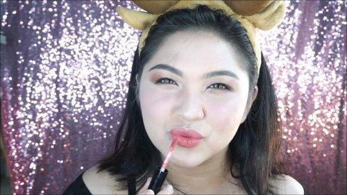 """<div class=""""photoCaption"""">New tutorial udah ada di youtube ku! Yuk mampir buat tonton full tutorial dari video simple makeup tanpa bulu mata ini ❤<br /> Bisa ke <a href=""""https://youtube.com/cutauzolaazalia"""" class=""""pink-url""""  target=""""_blank""""  rel=""""nofollow"""" title=""""https://youtube.com/cutauzolaazalia"""">youtube.com/cutauzolaazalia</a> atau click link di bio ☀☀☀<br /> .<br /> Oya, hampir semua produk yang aku gunakan adalah produk lokal loh! Kecuali maskaranya hehe 😁<br /> .<br /> .<br /> .<br /> .<br />  <a class=""""pink-url"""" target=""""_blank"""" href=""""http://m.clozette.co.id/search/query?term=makeup&siteseach=Submit"""">#makeup</a>  <a class=""""pink-url"""" target=""""_blank"""" href=""""http://m.clozette.co.id/search/query?term=wakeupandmakeup&siteseach=Submit"""">#wakeupandmakeup</a>  <a class=""""pink-url"""" target=""""_blank"""" href=""""http://m.clozette.co.id/search/query?term=tutorial&siteseach=Submit"""">#tutorial</a>  <a class=""""pink-url"""" target=""""_blank"""" href=""""http://m.clozette.co.id/search/query?term=makeuptutorial&siteseach=Submit"""">#makeuptutorial</a>  <a class=""""pink-url"""" target=""""_blank"""" href=""""http://m.clozette.co.id/search/query?term=dailymakeup&siteseach=Submit"""">#dailymakeup</a>  <a class=""""pink-url"""" target=""""_blank"""" href=""""http://m.clozette.co.id/search/query?term=makeupforbarbies&siteseach=Submit"""">#makeupforbarbies</a>  <a class=""""pink-url"""" target=""""_blank"""" href=""""http://m.clozette.co.id/search/query?term=beautyblogger&siteseach=Submit"""">#beautyblogger</a>  <a class=""""pink-url"""" target=""""_blank"""" href=""""http://m.clozette.co.id/search/query?term=beautybloggerindonesia&siteseach=Submit"""">#beautybloggerindonesia</a>  <a class=""""pink-url"""" target=""""_blank"""" href=""""http://m.clozette.co.id/search/query?term=dressyourface&siteseach=Submit"""">#dressyourface</a>  <a class=""""pink-url"""" target=""""_blank"""" href=""""http://m.clozette.co.id/search/query?term=hudabeauty&siteseach=Submit"""">#hudabeauty</a>  <a class=""""pink-url"""" target=""""_blank"""" href=""""http://m.clozette.co.id/search/query?term=undiscovered_muas&siteseach=Submit"""">#undiscovered_muas"""