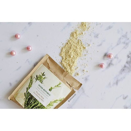 "<div class=""photoCaption"">Up Now.. Review @maskrepublic Mask Oatmeal for Glowing Skin<br /> cek detail review on my blog <a href=""https://www.sistersdyne.com"" class=""pink-url""  target=""_blank""  rel=""nofollow"" title=""https://www.sistersdyne.com"">www.sistersdyne.com</a><br /> <br />  <a class=""pink-url"" target=""_blank"" href=""http://m.clozette.co.id/search/query?term=Clozette&siteseach=Submit"">#Clozette</a>  <a class=""pink-url"" target=""_blank"" href=""http://m.clozette.co.id/search/query?term=Clozetteid&siteseach=Submit"">#Clozetteid</a>  <a class=""pink-url"" target=""_blank"" href=""http://m.clozette.co.id/search/query?term=Beauty&siteseach=Submit"">#Beauty</a>  <a class=""pink-url"" target=""_blank"" href=""http://m.clozette.co.id/search/query?term=Skincare&siteseach=Submit"">#Skincare</a>  <a class=""pink-url"" target=""_blank"" href=""http://m.clozette.co.id/search/query?term=Mask&siteseach=Submit"">#Mask</a>  <a class=""pink-url"" target=""_blank"" href=""http://m.clozette.co.id/search/query?term=Powdermask&siteseach=Submit"">#Powdermask</a>  <a class=""pink-url"" target=""_blank"" href=""http://m.clozette.co.id/search/query?term=Naturalingredients&siteseach=Submit"">#Naturalingredients</a>  <a class=""pink-url"" target=""_blank"" href=""http://m.clozette.co.id/search/query?term=Oat&siteseach=Submit"">#Oat</a>  <a class=""pink-url"" target=""_blank"" href=""http://m.clozette.co.id/search/query?term=Oatmeal&siteseach=Submit"">#Oatmeal</a>  <a class=""pink-url"" target=""_blank"" href=""http://m.clozette.co.id/search/query?term=OatMask&siteseach=Submit"">#OatMask</a>  <a class=""pink-url"" target=""_blank"" href=""http://m.clozette.co.id/search/query?term=MaskRepublic&siteseach=Submit"">#MaskRepublic</a>  <a class=""pink-url"" target=""_blank"" href=""http://m.clozette.co.id/search/query?term=Productlocal&siteseach=Submit"">#Productlocal</a>  <a class=""pink-url"" target=""_blank"" href=""http://m.clozette.co.id/search/query?term=Indonesiaproduct&siteseach=Submit"">#Indonesiaproduct</a>  <a class=""pink-url"" target=""_blank"" href=""http://m.clozette.co.id/search/query?term=Rosemarry&siteseach=Submit"">#Rosemarry</a>  <a class=""pink-url"" target=""_blank"" href=""http://m.clozette.co.id/search/query?term=BBloggers&siteseach=Submit"">#BBloggers</a>  <a class=""pink-url"" target=""_blank"" href=""http://m.clozette.co.id/search/query?term=BeautyBloggerid&siteseach=Submit"">#BeautyBloggerid</a>  <a class=""pink-url"" target=""_blank"" href=""http://m.clozette.co.id/search/query?term=Indonesiabeautyblogger&siteseach=Submit"">#Indonesiabeautyblogger</a>  <a class=""pink-url"" target=""_blank"" href=""http://m.clozette.co.id/search/query?term=FOTDIBB&siteseach=Submit"">#FOTDIBB</a>  <a class=""pink-url"" target=""_blank"" href=""http://m.clozette.co.id/search/query?term=zukreat&siteseach=Submit"">#zukreat</a>  <a class=""pink-url"" target=""_blank"" href=""http://m.clozette.co.id/search/query?term=dasistersblog&siteseach=Submit"">#dasistersblog</a></div>"