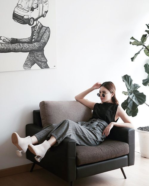 "<div class=""photoCaption"">Stay cozy in this set from @marienfrisco at coziest work place @werkspace.id .<br /> .<br />  <a class=""pink-url"" target=""_blank"" href=""http://m.clozette.co.id/search/query?term=Ootd&siteseach=Submit"">#Ootd</a>  <a class=""pink-url"" target=""_blank"" href=""http://m.clozette.co.id/search/query?term=ootdfashion&siteseach=Submit"">#ootdfashion</a>  <a class=""pink-url"" target=""_blank"" href=""http://m.clozette.co.id/search/query?term=ootdinspo&siteseach=Submit"">#ootdinspo</a>  <a class=""pink-url"" target=""_blank"" href=""http://m.clozette.co.id/search/query?term=ootdideas&siteseach=Submit"">#ootdideas</a>  <a class=""pink-url"" target=""_blank"" href=""http://m.clozette.co.id/search/query?term=ootdindo&siteseach=Submit"">#ootdindo</a>  <a class=""pink-url"" target=""_blank"" href=""http://m.clozette.co.id/search/query?term=ootdindokece&siteseach=Submit"">#ootdindokece</a>  <a class=""pink-url"" target=""_blank"" href=""http://m.clozette.co.id/search/query?term=ootdinspiration&siteseach=Submit"">#ootdinspiration</a>  <a class=""pink-url"" target=""_blank"" href=""http://m.clozette.co.id/search/query?term=ootdindonesia&siteseach=Submit"">#ootdindonesia</a>  <a class=""pink-url"" target=""_blank"" href=""http://m.clozette.co.id/search/query?term=indobeauty&siteseach=Submit"">#indobeauty</a>  <a class=""pink-url"" target=""_blank"" href=""http://m.clozette.co.id/search/query?term=indofashion&siteseach=Submit"">#indofashion</a>  <a class=""pink-url"" target=""_blank"" href=""http://m.clozette.co.id/search/query?term=indofashionpedia&siteseach=Submit"">#indofashionpedia</a>  <a class=""pink-url"" target=""_blank"" href=""http://m.clozette.co.id/search/query?term=indofashionpeople&siteseach=Submit"">#indofashionpeople</a>  <a class=""pink-url"" target=""_blank"" href=""http://m.clozette.co.id/search/query?term=indofashionblogger&siteseach=Submit"">#indofashionblogger</a>  <a class=""pink-url"" target=""_blank"" href=""http://m.clozette.co.id/search/query?term=clozetteid&siteseach=Submit"">#clozetteid</a>  <a class=""pink-url"" target=""_blank"" href=""http://m.clozette.co.id/search/query?term=lookbooks&siteseach=Submit"">#lookbooks</a>  <a class=""pink-url"" target=""_blank"" href=""http://m.clozette.co.id/search/query?term=lookbooklookbook&siteseach=Submit"">#lookbooklookbook</a>  <a class=""pink-url"" target=""_blank"" href=""http://m.clozette.co.id/search/query?term=lookbookindonesia&siteseach=Submit"">#lookbookindonesia</a></div>"