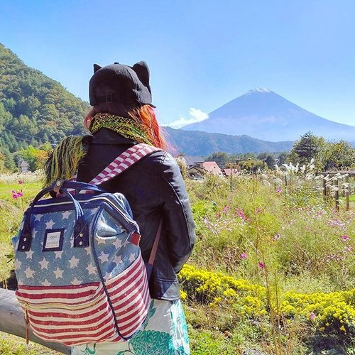 "<div class=""photoCaption"">See you again 🗾🗻<br />  <a class=""pink-url"" target=""_blank"" href=""http://m.clozette.co.id/search/query?term=japan&siteseach=Submit"">#japan</a>  <a class=""pink-url"" target=""_blank"" href=""http://m.clozette.co.id/search/query?term=mountfuji&siteseach=Submit"">#mountfuji</a>  <a class=""pink-url"" target=""_blank"" href=""http://m.clozette.co.id/search/query?term=anello&siteseach=Submit"">#anello</a>  <a class=""pink-url"" target=""_blank"" href=""http://m.clozette.co.id/search/query?term=clozetteid&siteseach=Submit"">#clozetteid</a></div>"