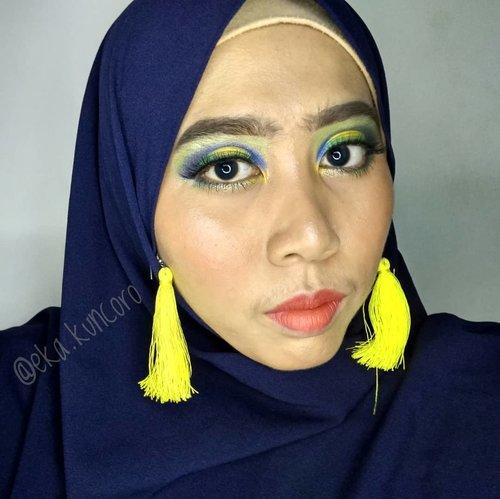 "<div class=""photoCaption"">Apakah ini yang namanya kuning kehijau-hijauan? Eyes: City Color Cosmetics Lips : JCat Beauty Lip PaletteBrows : QL Cosmetics Eyebrow CreamHijab: Raniya HijabTap untuk detail.  <a class=""pink-url"" target=""_blank"" href=""http://m.clozette.co.id/search/query?term=clozetteid&siteseach=Submit"">#clozetteid</a>  <a class=""pink-url"" target=""_blank"" href=""http://m.clozette.co.id/search/query?term=belajarcutcrease&siteseach=Submit"">#belajarcutcrease</a>  <a class=""pink-url"" target=""_blank"" href=""http://m.clozette.co.id/search/query?term=colorfuleyeshadow&siteseach=Submit"">#colorfuleyeshadow</a></div>"