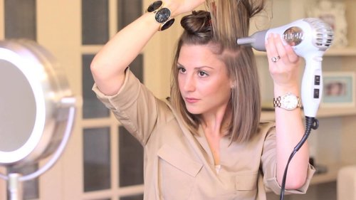 """<div class=""""photoCaption"""">Blow-Dry Short Hair Straight (with Volume!) - YouTube</div>"""